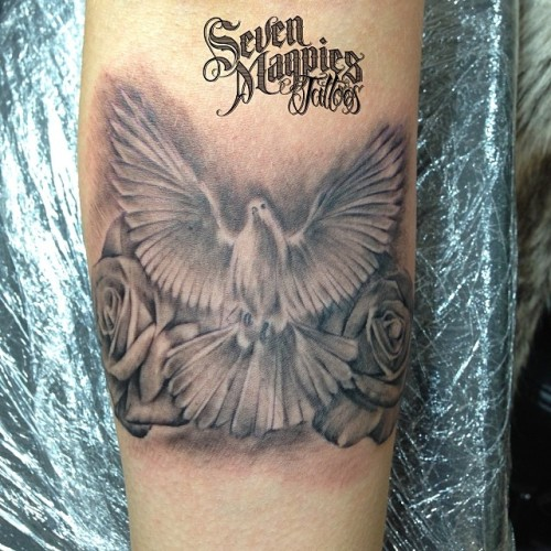 Mini_dove_and_roses_on_forearm_from_yesterday__sevenmagpiestattoos